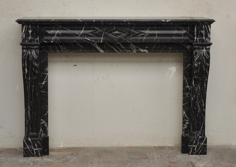 Cheminée marbre noir