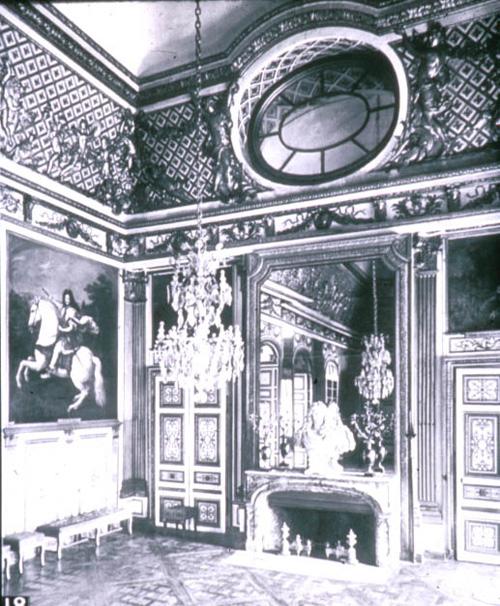 oeil de boeuf. Black Bedroom Furniture Sets. Home Design Ideas