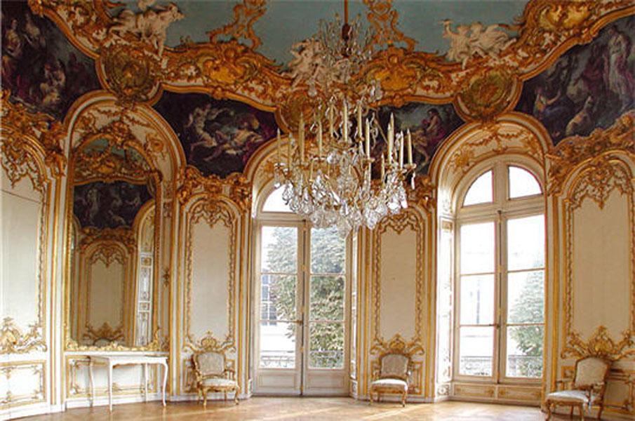 Style Louis XV. Salon ovale, Hôtel de Soubise. Germain Boffrand, architecte.  Peintures de Charles,Joseph Natoire. 1735,1740.