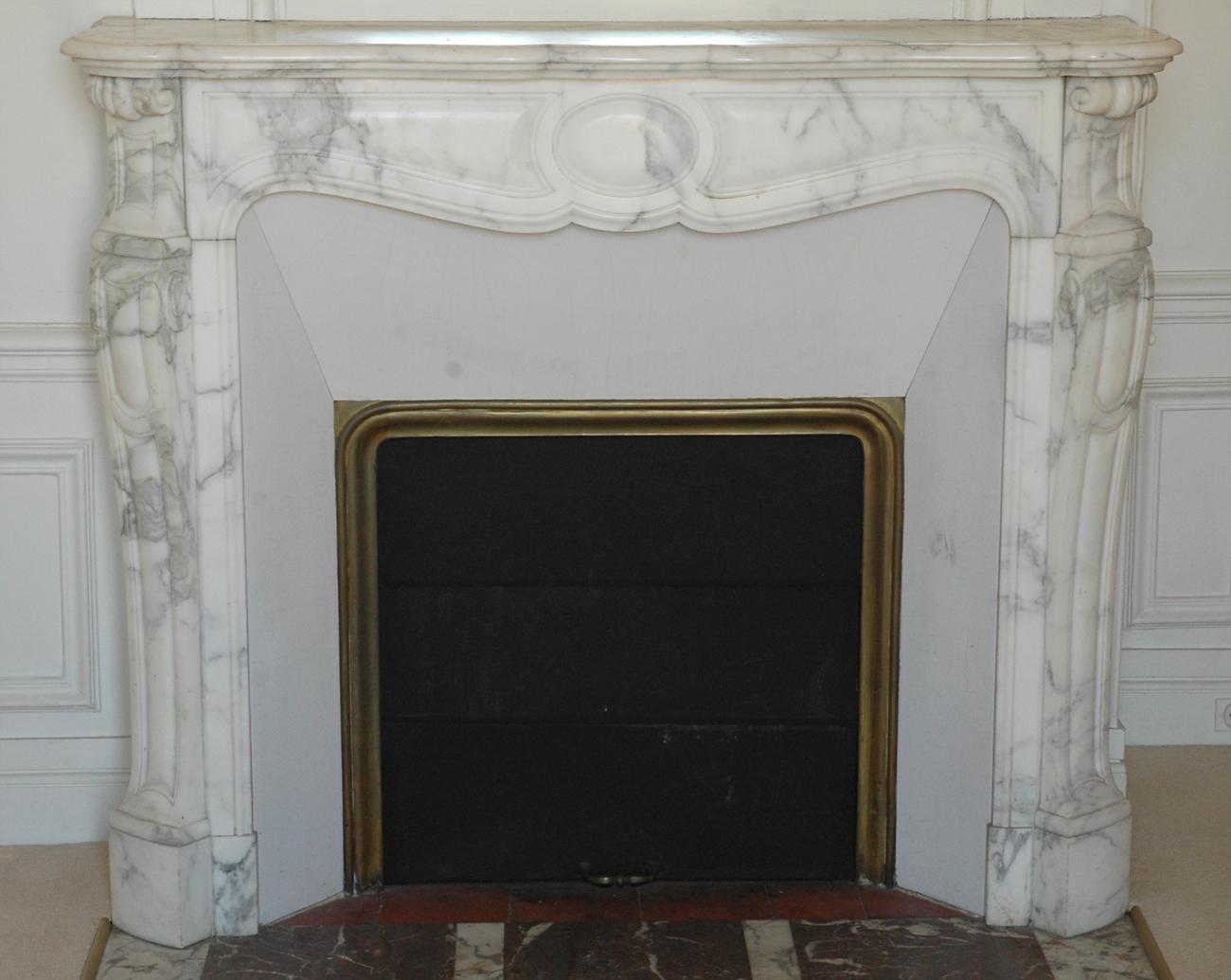 rideau de cheminee ancienne 28 images grande chemin 233 e ancienne en marbre blanc de style. Black Bedroom Furniture Sets. Home Design Ideas