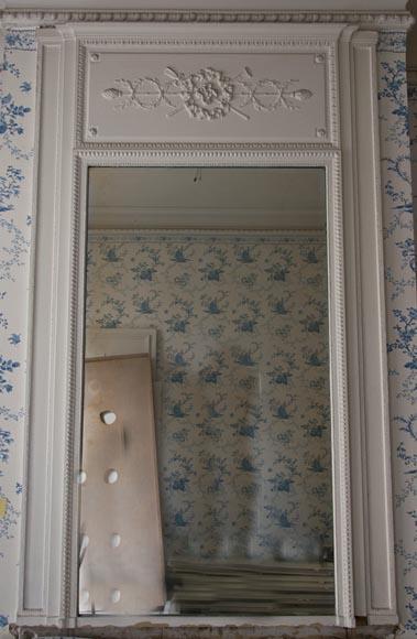 trumeau ancien de style louis xvi d cor de couronne feuillag e glaces miroirs et trumeaux. Black Bedroom Furniture Sets. Home Design Ideas