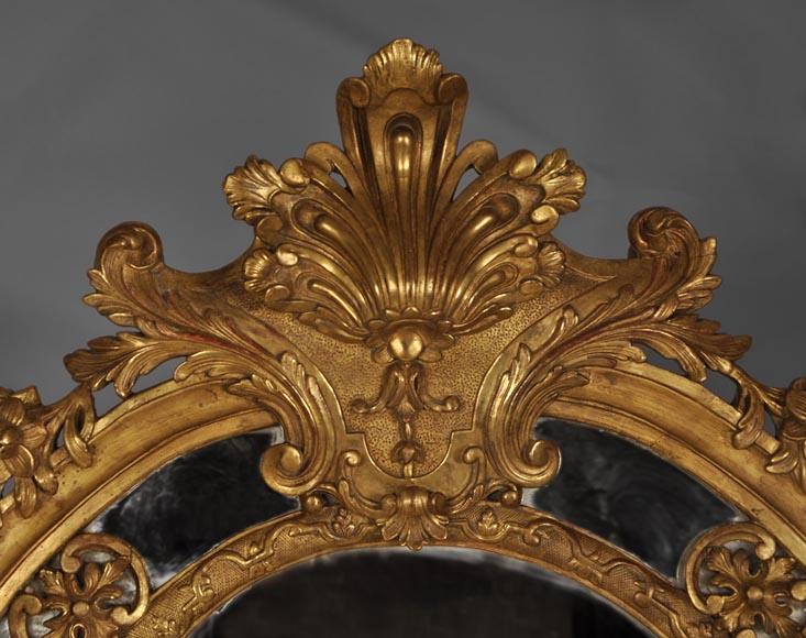 beau miroir ancien de style r gence poque napol on iii en bois sculpt et dor d cor d. Black Bedroom Furniture Sets. Home Design Ideas