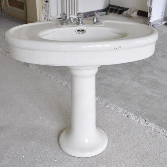 Lavabo ancien en fa ence sur pied meubles et accessoires - Lavabo salle de bain style ancien ...