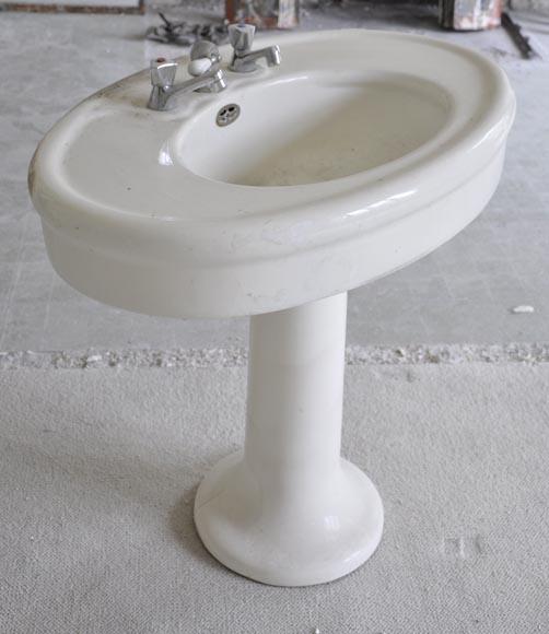 Lavabo ancien en fa ence sur pied meubles et accessoires - Meuble lavabo sur pied ...