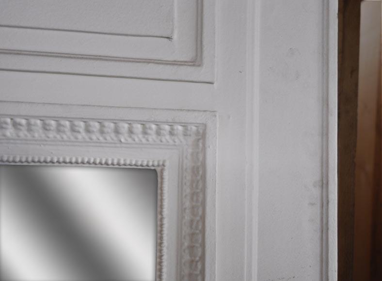 Trumeau de style louis xvi peint en blanc orn d 39 un arc for Miroir trumeau blanc