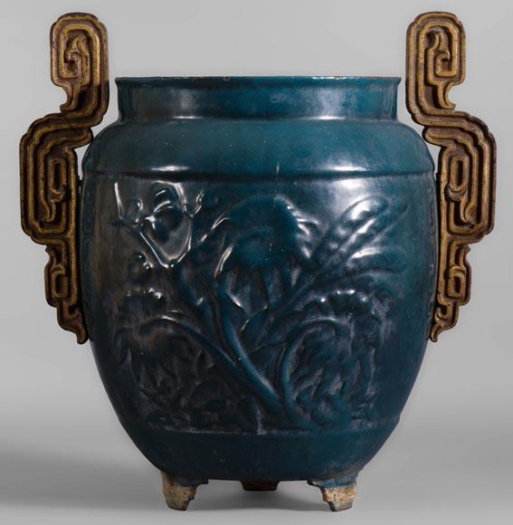 Beau vase de jardin ancien en fonte émaillée bleue, XIXè ...