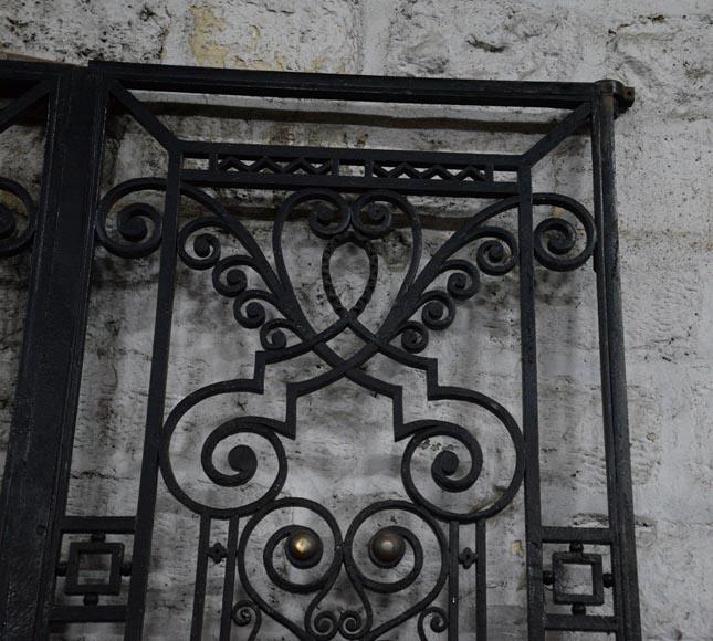 Ancienne porte art d co en fer forg au panier de fruits ann es 1930 portes for Porte fer forge ancienne