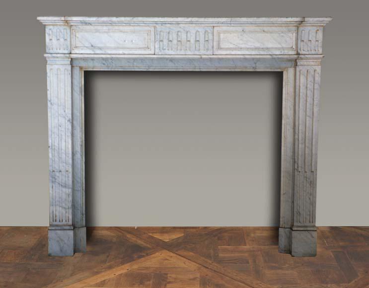 chemin e en marbre de style louis xvi marbre. Black Bedroom Furniture Sets. Home Design Ideas