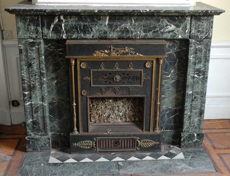 Cheminée en marbre vert à insert Empire à bronzes - Marbre