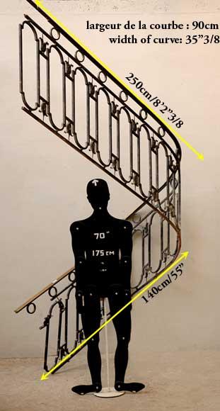 rampe d 39 escalier en fer forg avec main courante en laiton escaliers et rampes. Black Bedroom Furniture Sets. Home Design Ideas