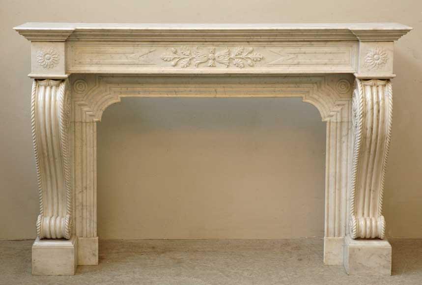 chemin e enroulements en marbre blanc de 1830 marbre. Black Bedroom Furniture Sets. Home Design Ideas