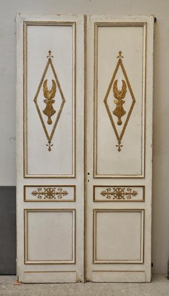 double porte ancienne en ch ne peint et dor d cor de victoires ail es et de miroirs portes. Black Bedroom Furniture Sets. Home Design Ideas