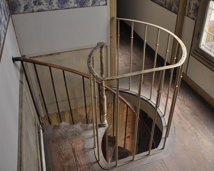 Escalierà colimaçons ancien en bois escaliers et rampes # Escalier Ancien Bois