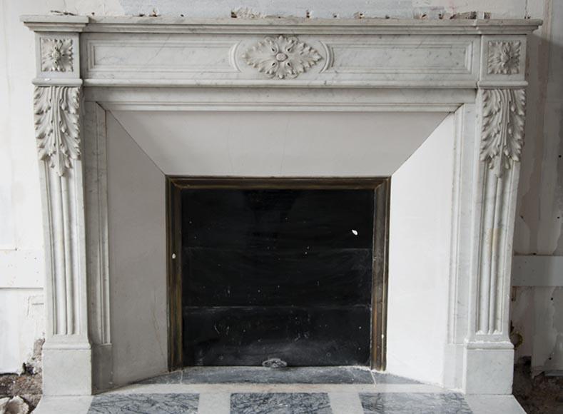 chemin e ancienne de style louis xvi en marbre de carrare d cor de feuilles d 39 acanthe marbre. Black Bedroom Furniture Sets. Home Design Ideas
