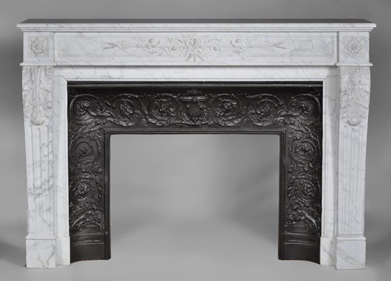 grande chemin e ancienne de style louis xvi en marbre blanc de carrare d cor de roseaux et. Black Bedroom Furniture Sets. Home Design Ideas