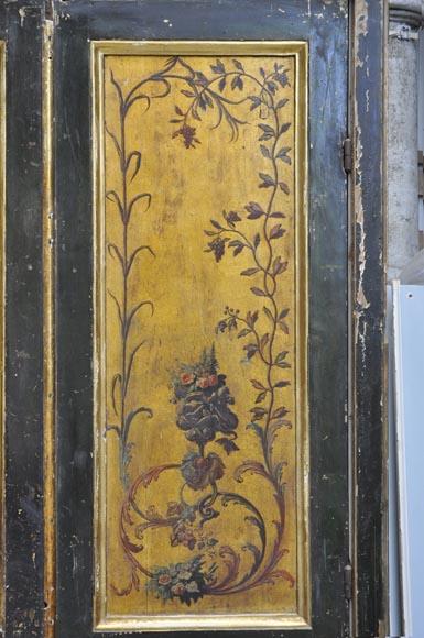 Double porte avec encadrement d cor de ch rubins et de for Peinture porte et encadrement