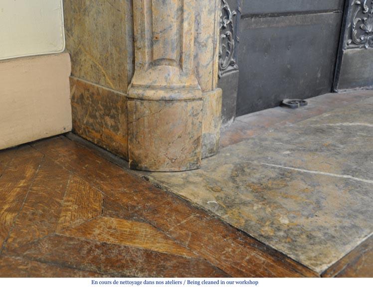 chemin e pompadour ancienne en marbre rose enjugerais avec son int rieur en fonte marbre. Black Bedroom Furniture Sets. Home Design Ideas
