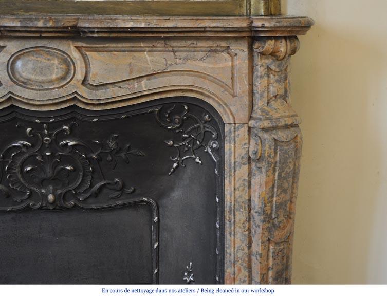 Chemin e pompadour ancienne en marbre rose enjugerais avec for Nettoyage interieur radiateur fonte