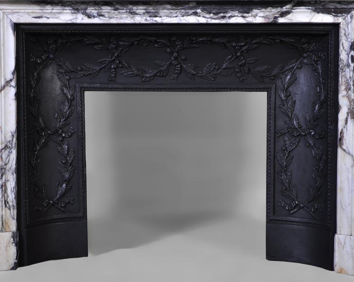 Belle chemin e ancienne de style louis xvi en marbre for Cheminee en fonte ancienne