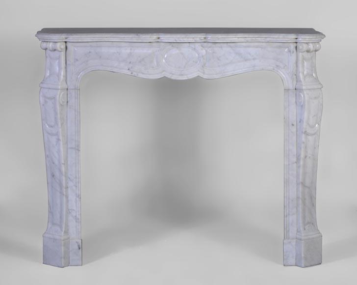 chemin e ancienne mod le pompadour style louis xv en marbre blanc de carrare xix si cle. Black Bedroom Furniture Sets. Home Design Ideas