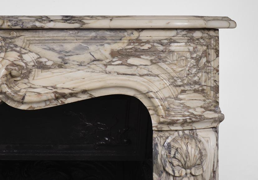 Rare petite chemin e ancienne de style r gence en marbre for Cheminee en fonte ancienne