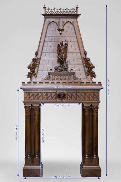 Belle chemin e ancienne de style n o gothique en noyer for Architecture neo gothique