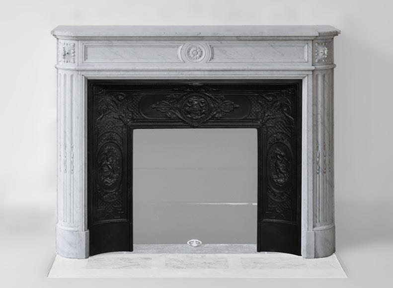 chemin e marbre blanc. Black Bedroom Furniture Sets. Home Design Ideas