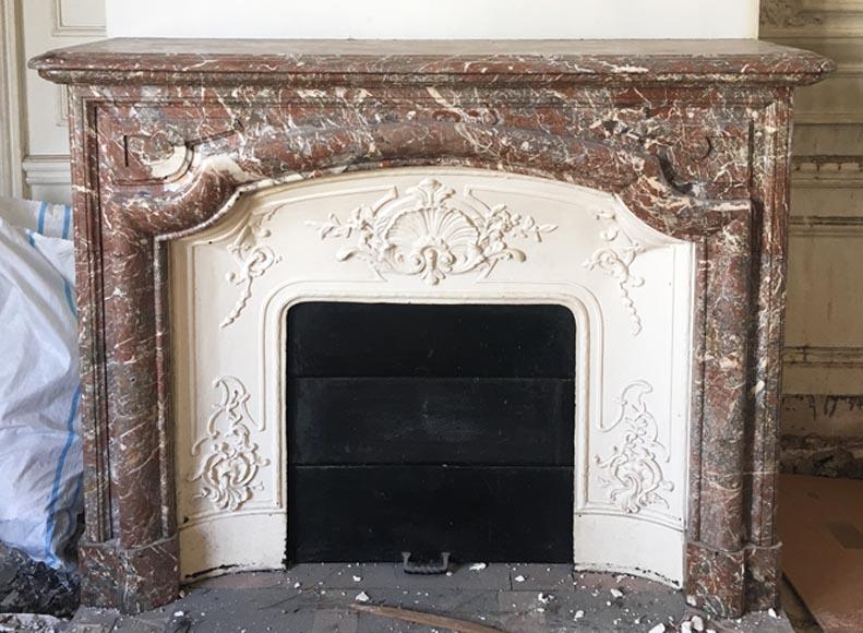 chemin e ancienne de style louis xiv en marbre saint remy avec son int rieur en fonte marbre. Black Bedroom Furniture Sets. Home Design Ideas