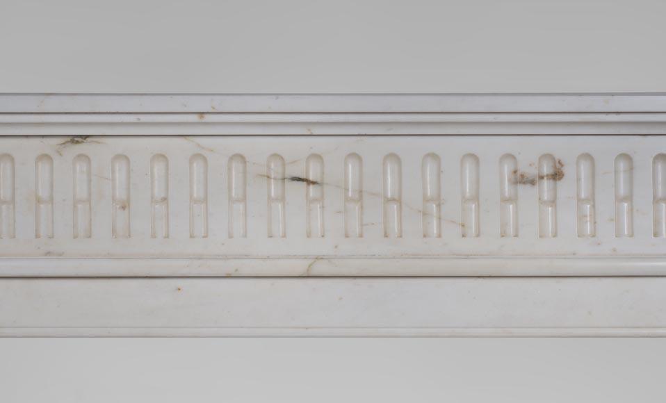 chemin e ancienne de style louis xvi en marbre de carrare