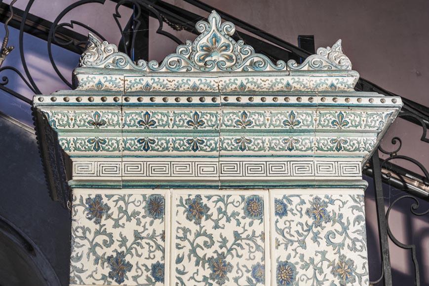 Grand Poêle Ancien En Faïence Blanc Et Bleu Grès Fonte