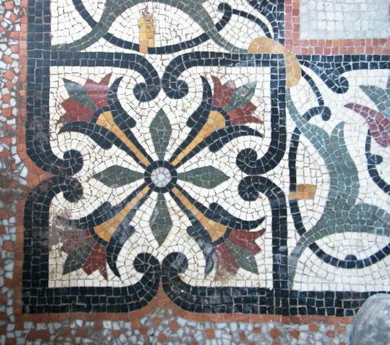 Mosaïque sur le sol du jardin d'hiver, attribuée à Facchina