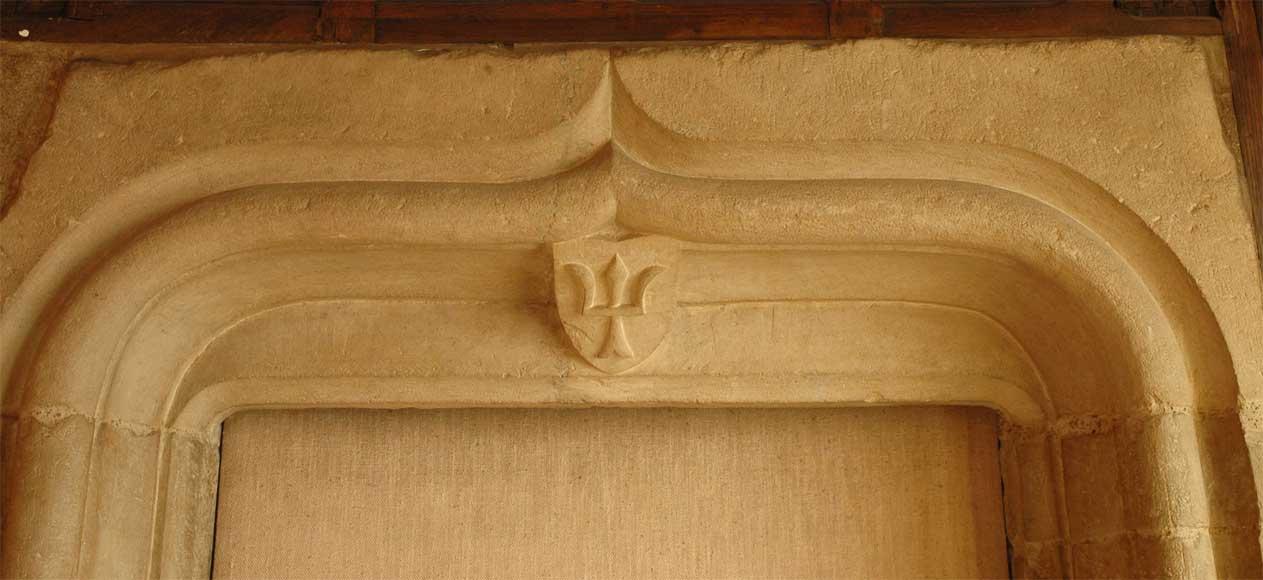 Encadrement de porte en pierre d 39 poque gothique portes - Contour de cheminee decoratif ...